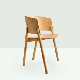 Halla Chair